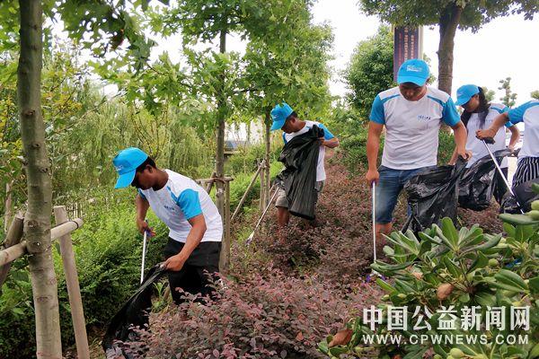 安徽淮南:志愿者开展保护焦岗湖生态环保通博官网活动