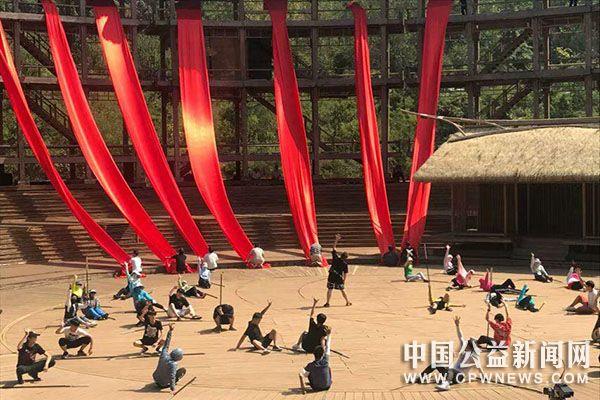 献礼诸葛亮文化旅游节,湖北文理学院在行动