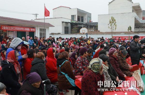 河南省杞县志愿者深入乡村开展志愿服务活动