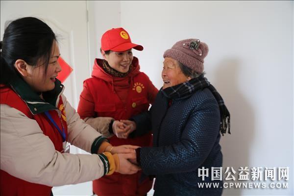 安徽宿州:志愿敬老迎新春,春风服务暖人心