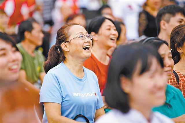 """重庆""""六讲""""志愿服务 以""""小""""见""""大""""群众欢迎"""