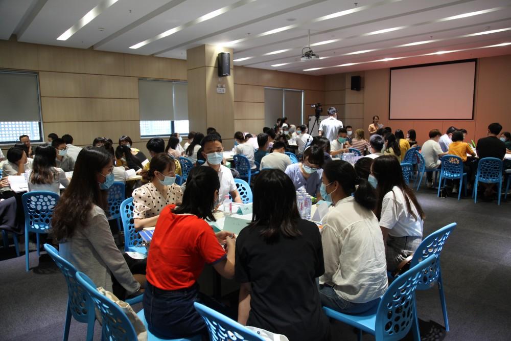 """深圳市举办""""禁毒社工能力提升项目""""讲座"""