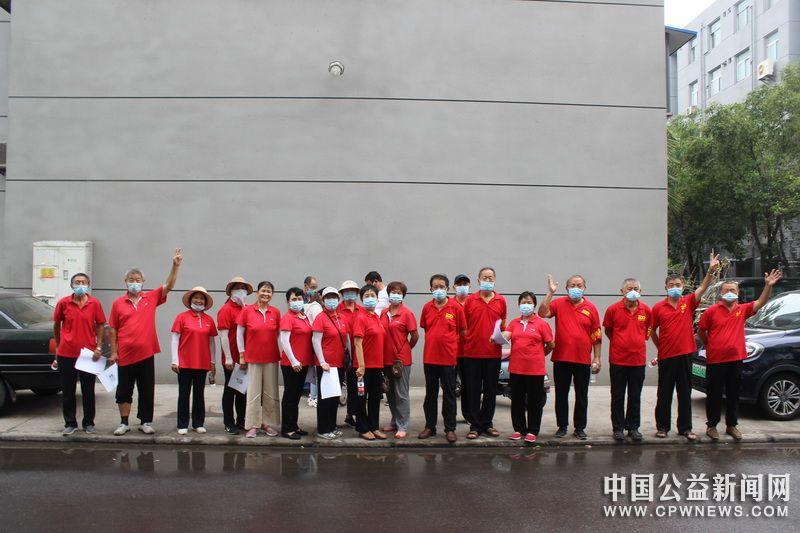 河南省开封市火电厂社区25名志愿者助力完成社区居民核酸检测任务